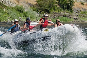 Salmon Raft Company - whitewater adventures :: Rafting trips with fun & knowledgeable guides. Offering 1/2- and Full-Day trips, multi-day adventures, plus fishing and candlelight dinner cruises. Lots of fun options.